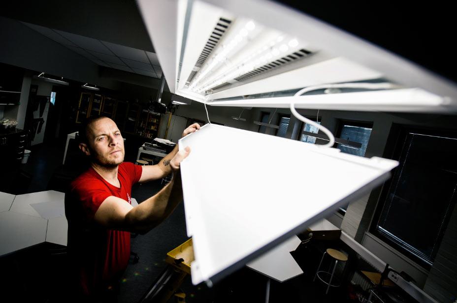 53-åring moderniseras och får ny belysning